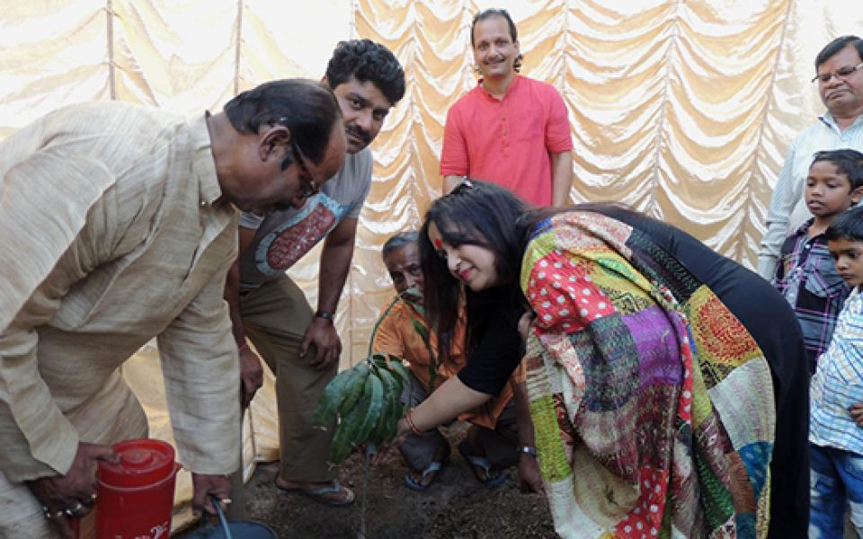 biswadeb-uri-gc-and-staff-generating-support-environment_TreePlanting.jpg