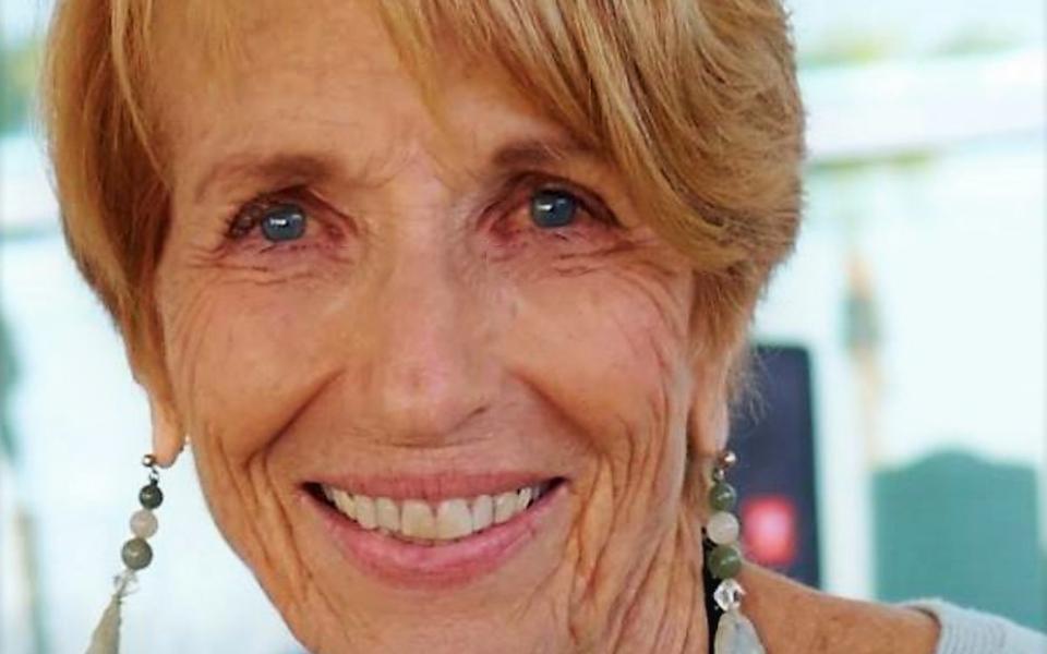Kay Lindahl headshot