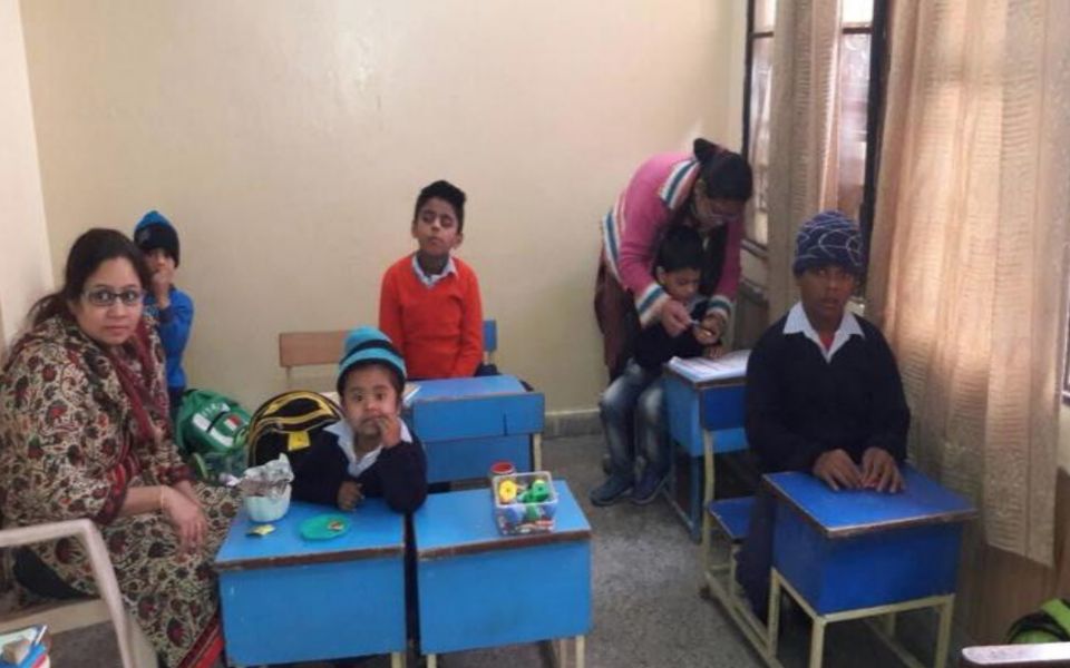 URI North Zone India - Giving desks to children in need