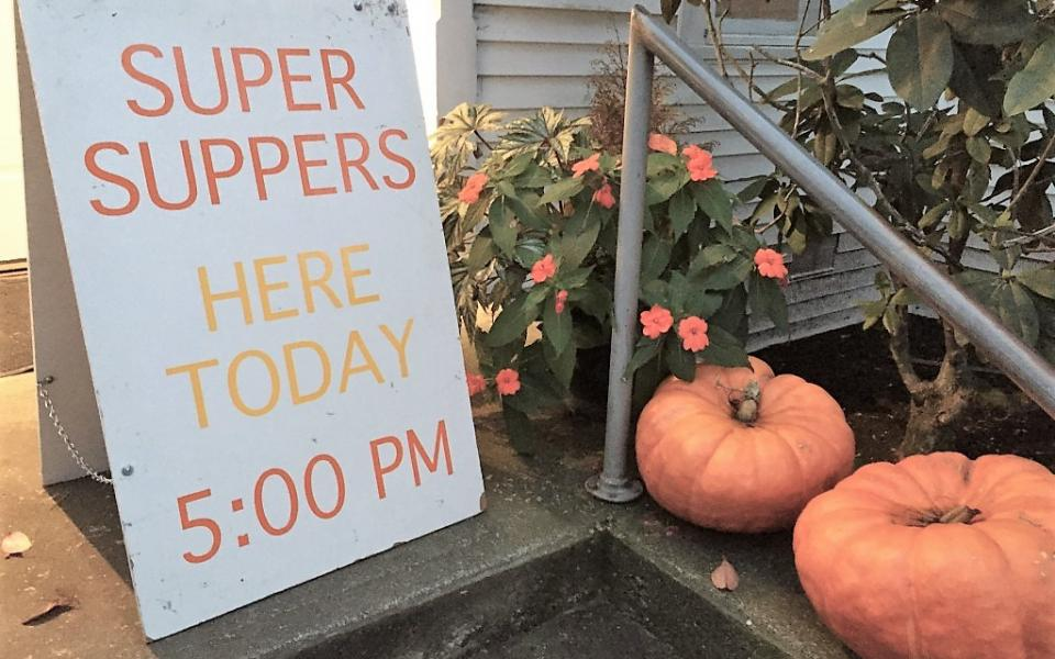 Supper Suppers sign