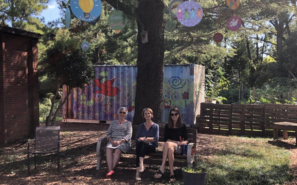 Charlotte Red Bench Garden CC celebrates IDP 2019.