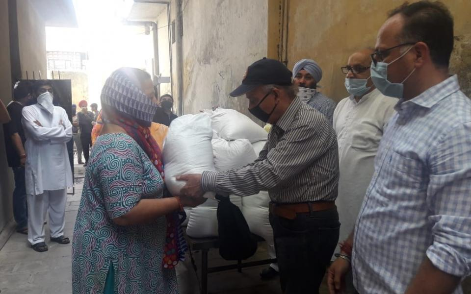 Photo: Relief distribution